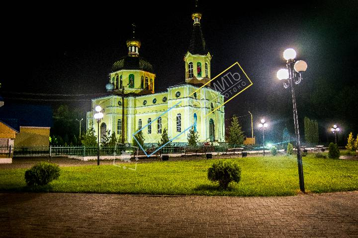 http://uamoment.com/gallery/St--Basil-s-Cathedral-in--Sarny-1035 photo