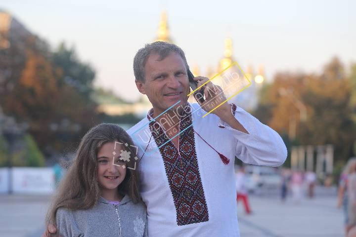 http://uamoment.com/gallery/Oleg-Skripka-40 photo