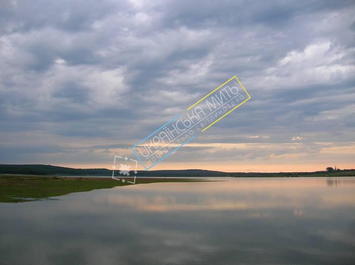 http://uamoment.com/gallery/Transcarpathian-lake-122 photo