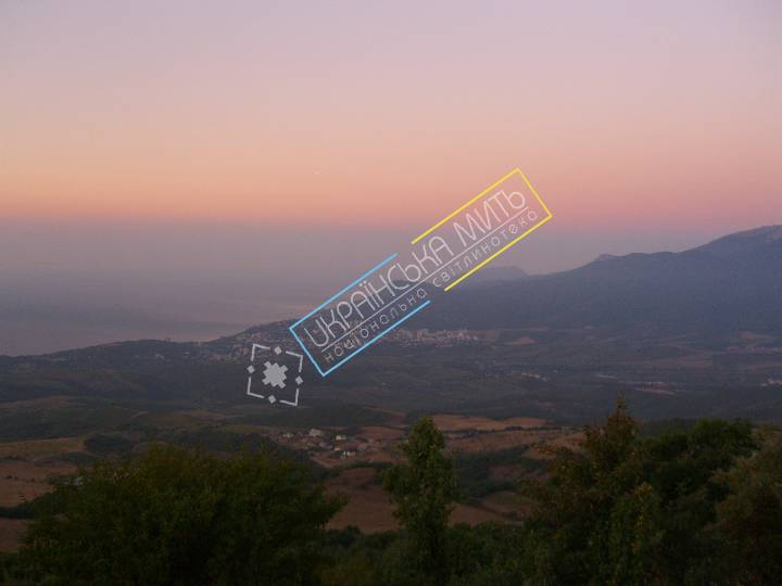 http://uamoment.com/gallery/Sunrise-from-Mount-Demerdzhi-226 photo