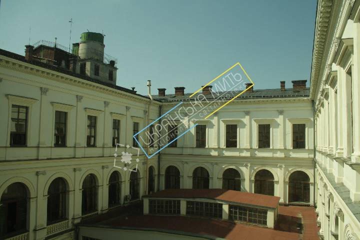 http://uamoment.com/gallery/Yard-of-the-main-building-of-Lviv-Polytechnic-346 photo