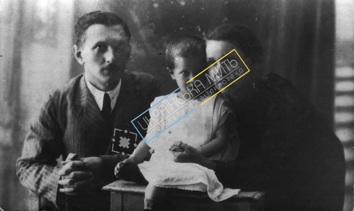 http://uamoment.com/gallery/Family-photo-202 photo