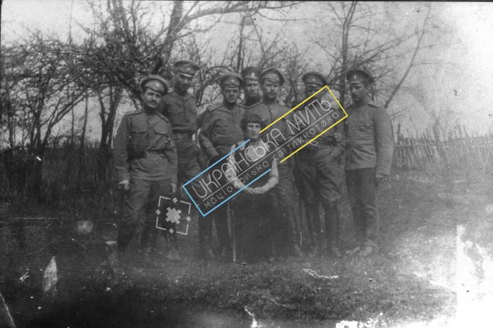 http://uamoment.com/gallery/Group-photo-of-Ukrainian-military-316 photo