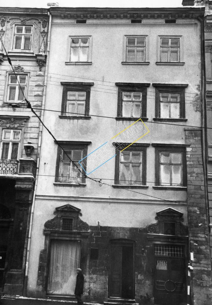 http://uamoment.com/gallery/Lviv--Market-sqr--21-467 photo