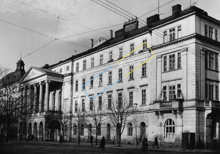 http://uamoment.com/gallery/Lviv-Zankovetska-Theater-488 photo