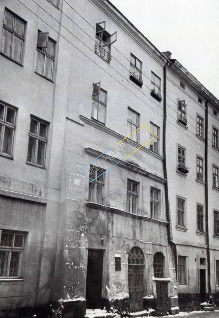 http://uamoment.com/gallery/Lviv--st--Serbian-9-521 photo