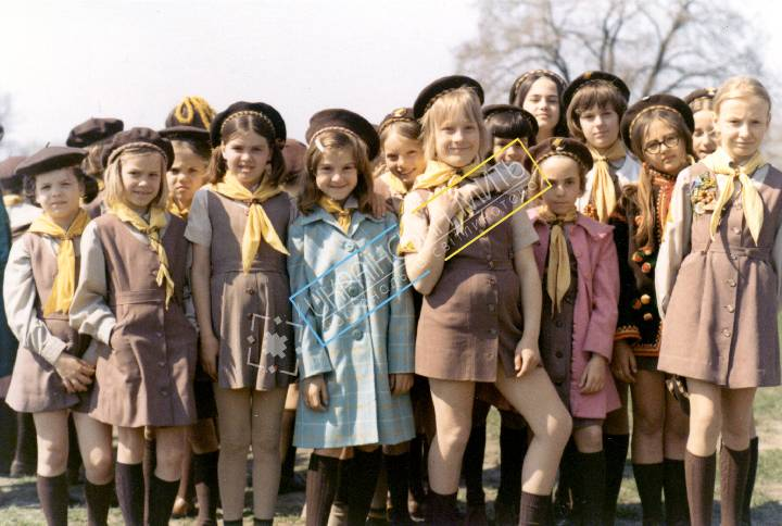 http://uamoment.com/gallery/Young-girl-scouts-936 photo