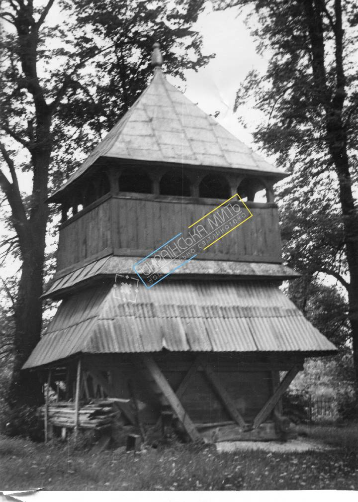 uamoment-gallery-Zhovkva-district--Old-Village--bell-1225 photo