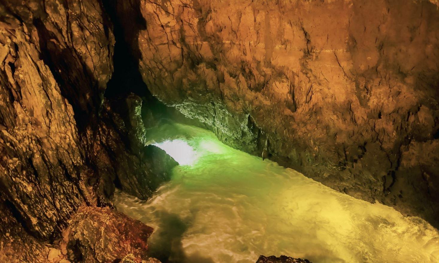 Grottes de Vallorbe SA