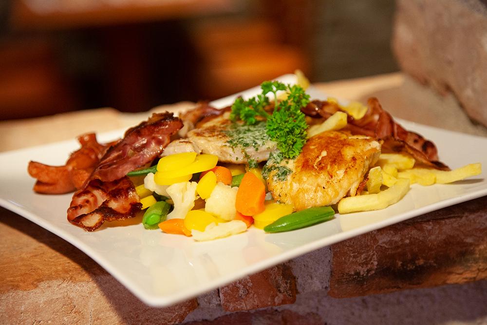 XXXLutz Restaurant im Einrichtungshaus Feldkirch
