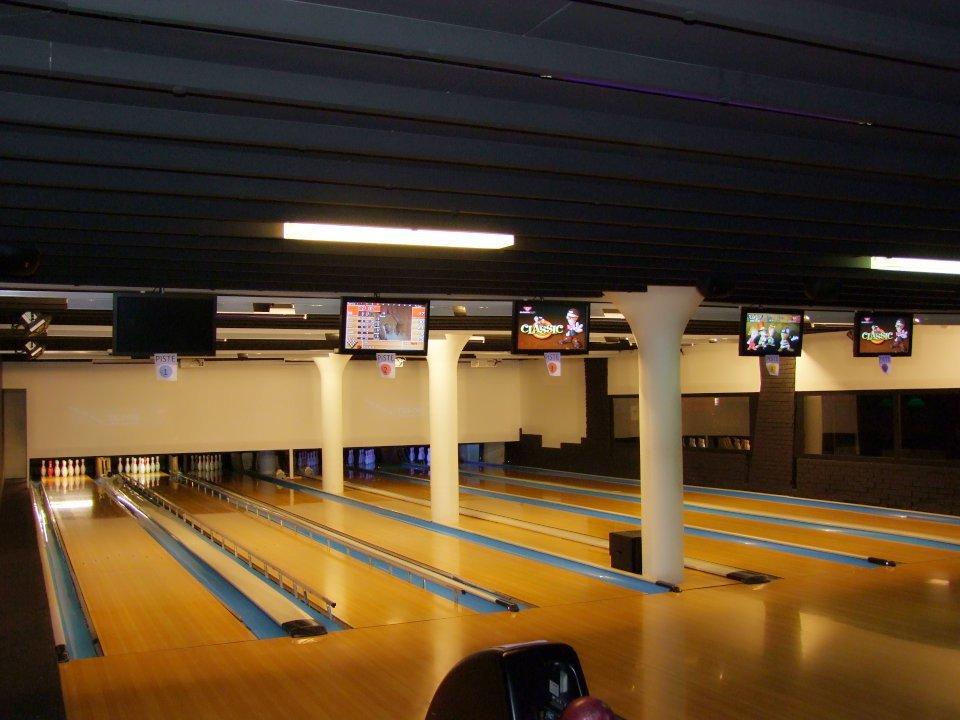 Bowling Sports Bar
