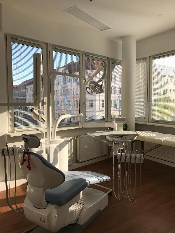 Zahnarztpraxis Dr. Sandra Dunkel, Edisonstraße in Berlin