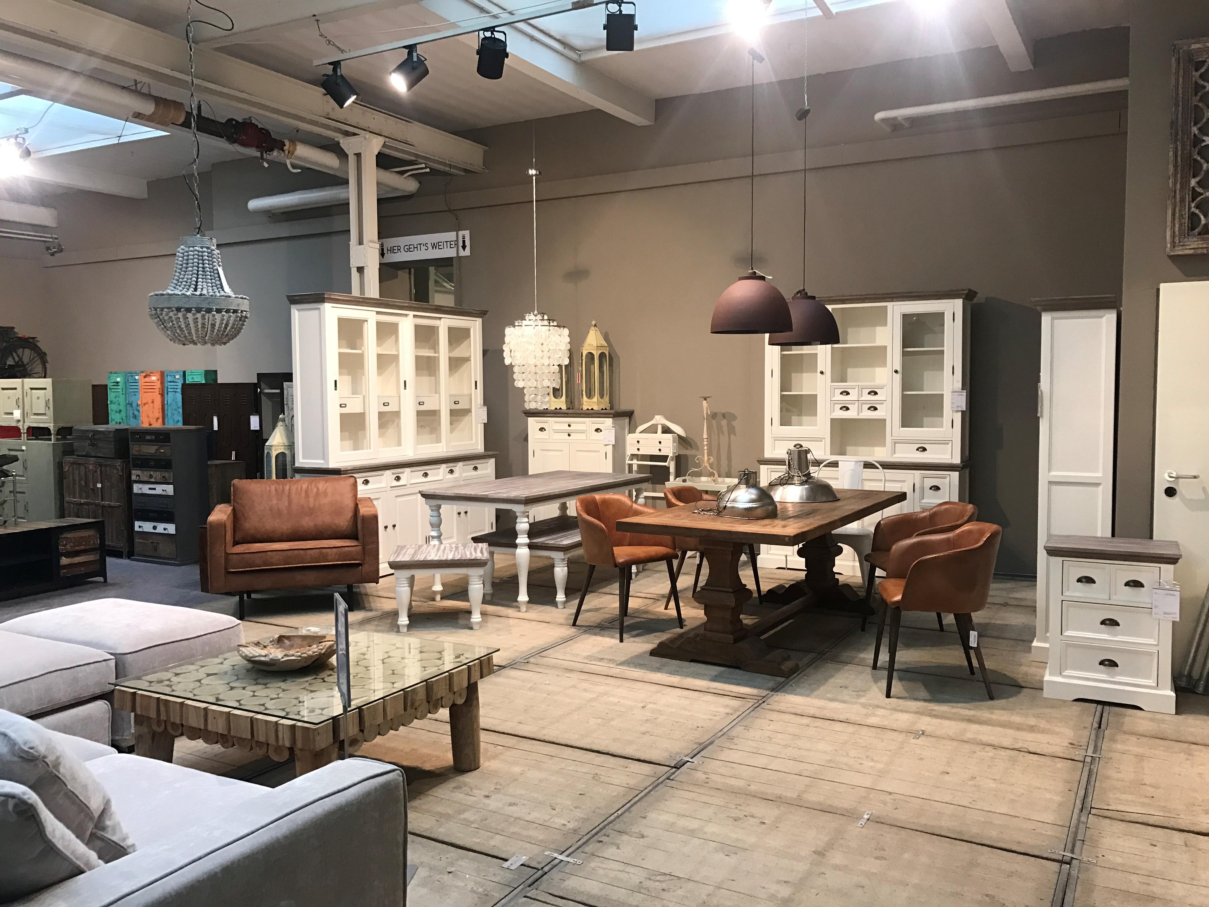 m bel in hamburg moebel. Black Bedroom Furniture Sets. Home Design Ideas
