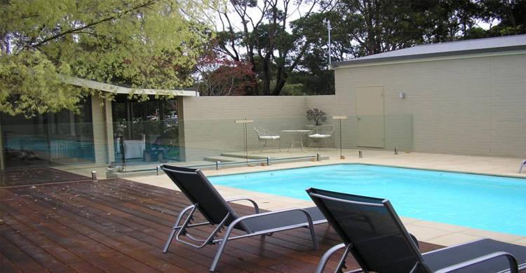Stevens Glass   155 Abbotts Road, Dandenong South, Victoria 3175   +61 3 9702 7066
