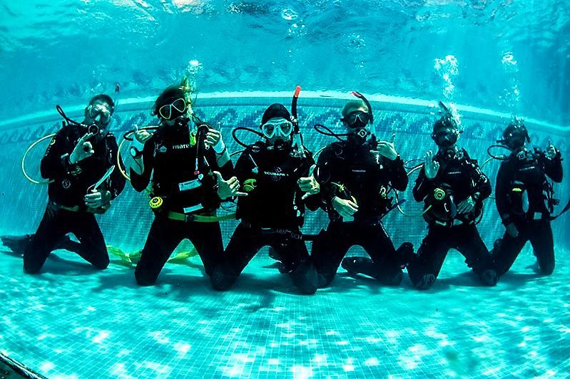 Divemaster Internship Academy