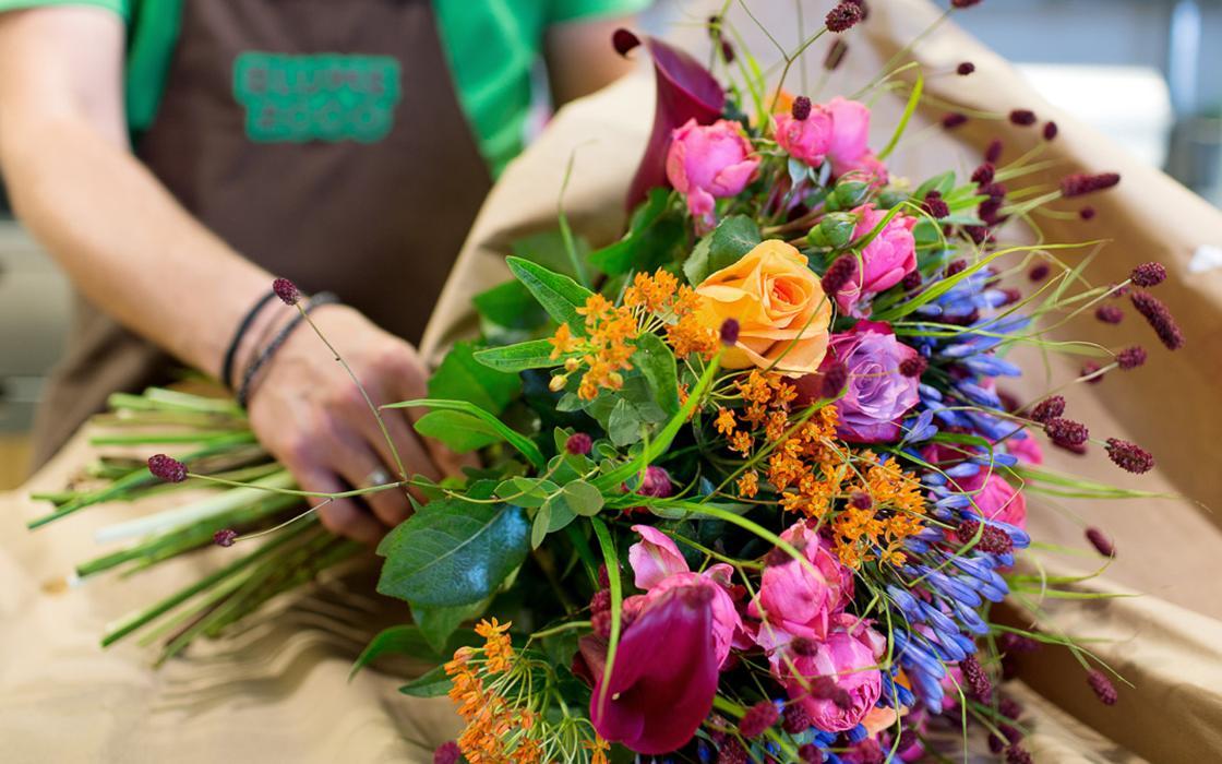 Blume 2000 Hamburg Alstertaler Einkaufszentrum EG, Heegbarg in Hamburg