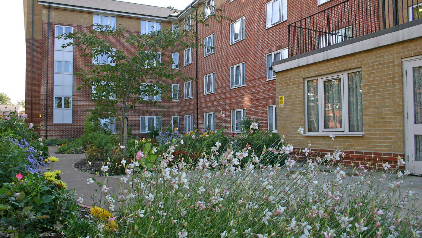 Anchor - Rose Court care home - London, London SE8 5DN - 08000 854148 | ShowMeLocal.com