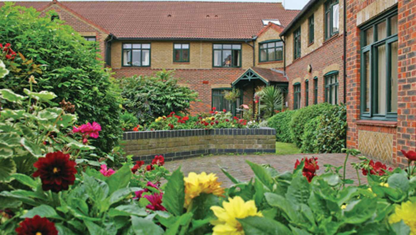 Anchor - St Edith's Court care home - Leigh-on-Sea, Essex SS9 1EN - 08000 854153   ShowMeLocal.com