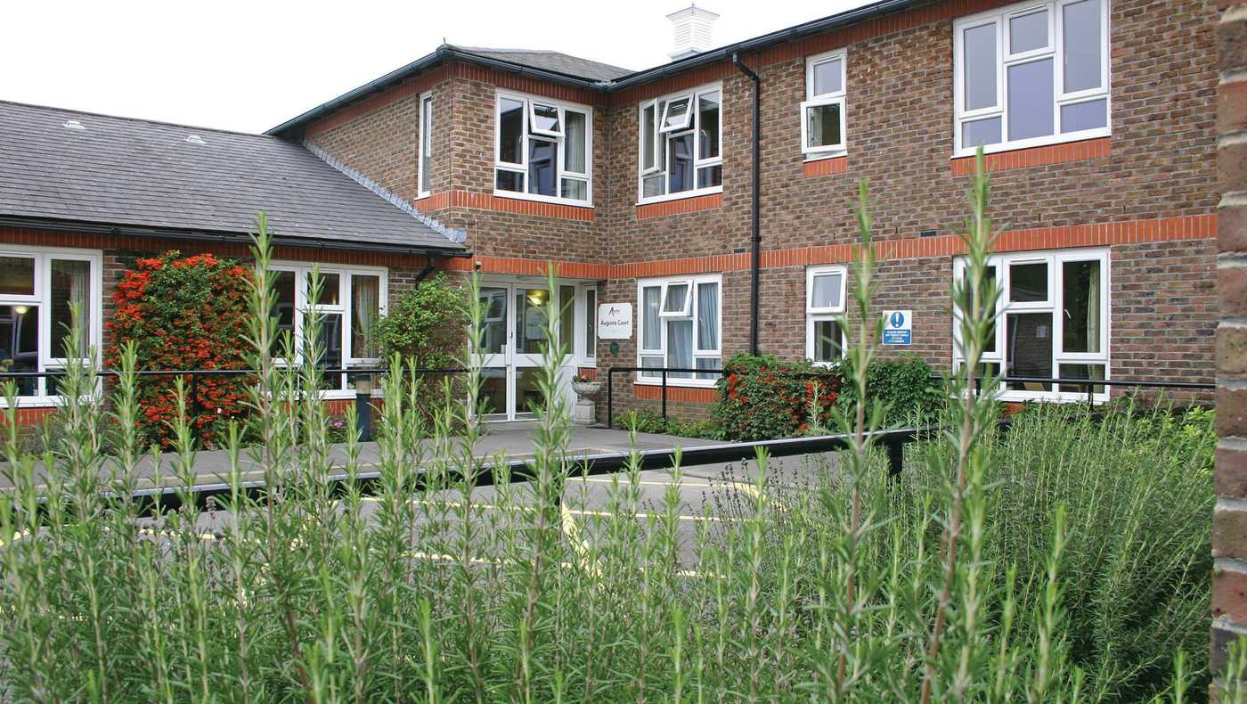 Anchor - Augusta Court care home - Chichester, West Sussex PO19 6TT - 08000 854257 | ShowMeLocal.com