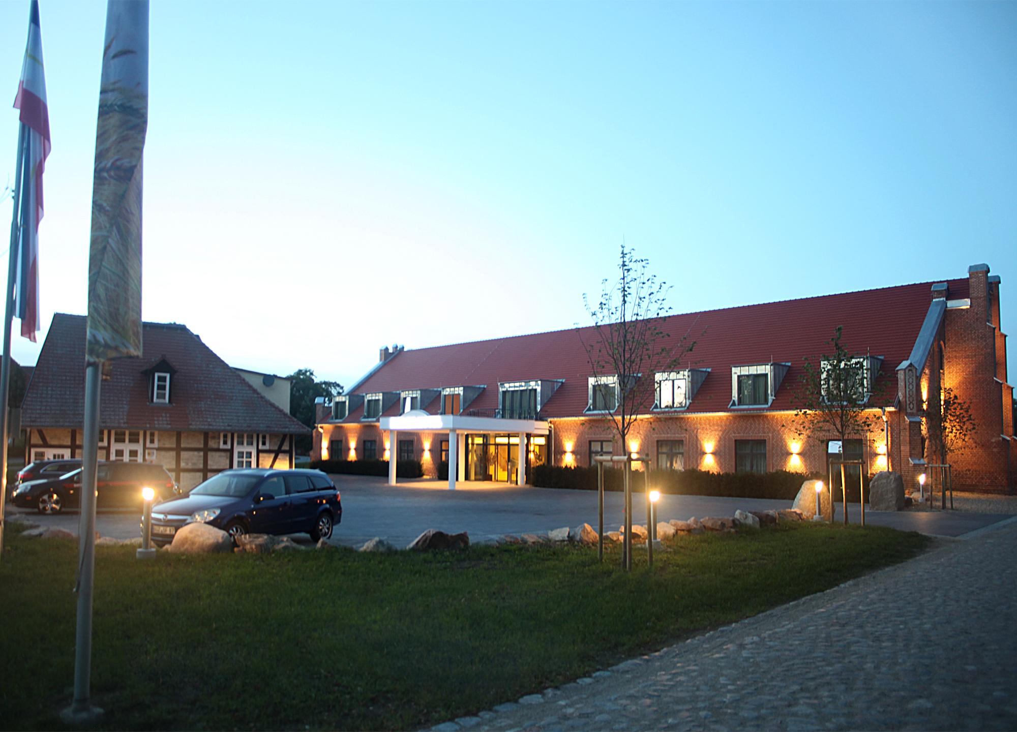 FARMER HOTEL