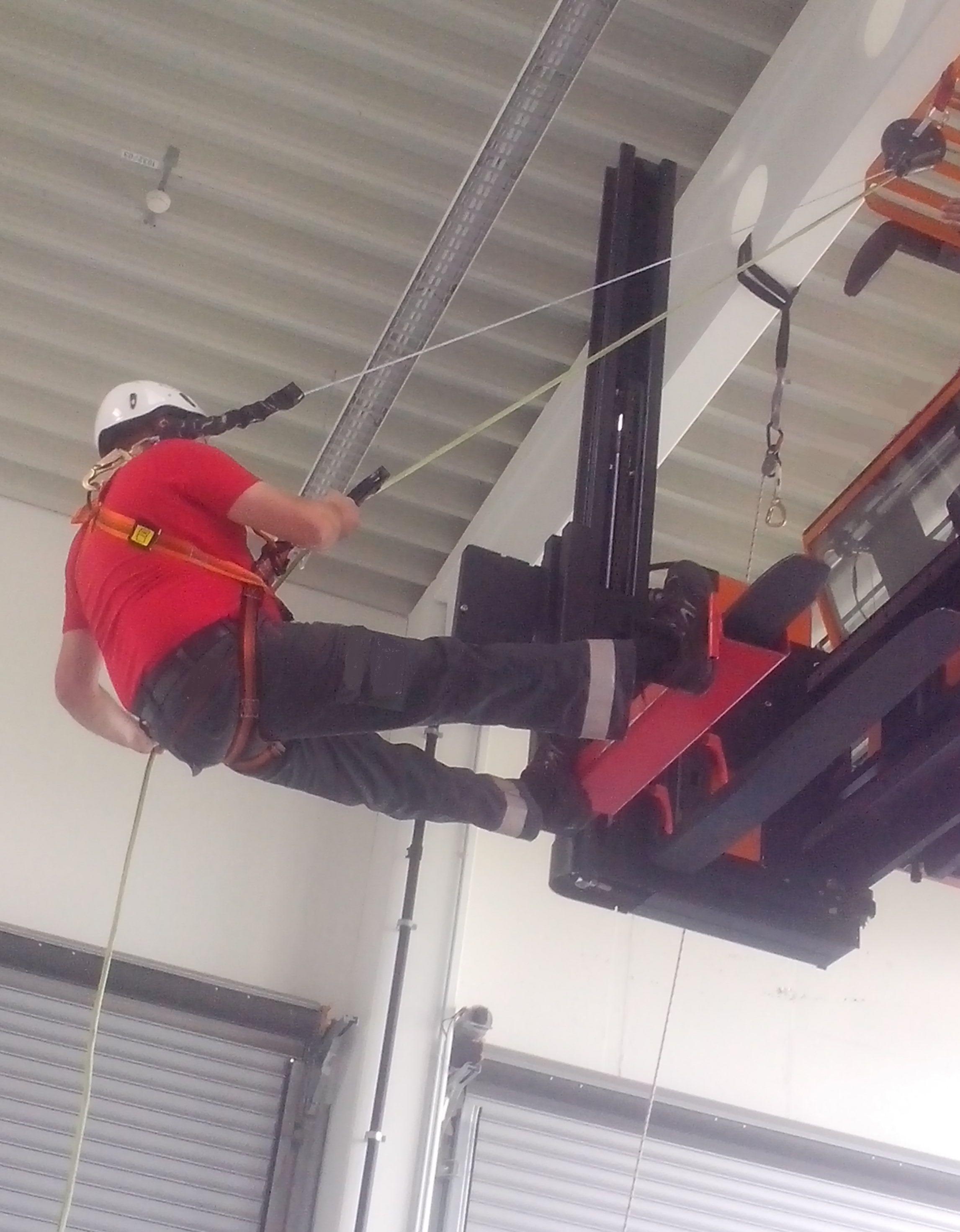 FSKop - Staplerschein Hubarbeitsbühnen-Lehrgang und Abseiltraining für Hochregalstapler