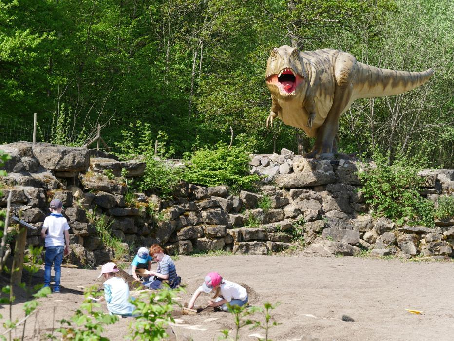 stynamic.alt.text.photo.1 Dinosaurierpark Teufelsschlucht stynamic.alt.text.photo.2 Ernzen