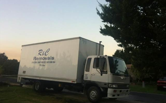 R & C Removals Pty Ltd - Melton West, VIC 3337 - (03) 9743 3918 | ShowMeLocal.com