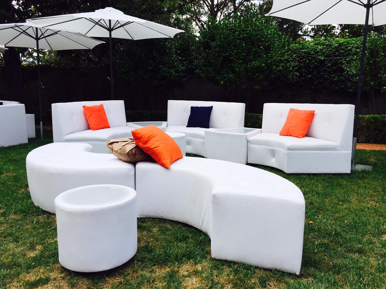 Lounge 4 Events Furniture and Decor Rental