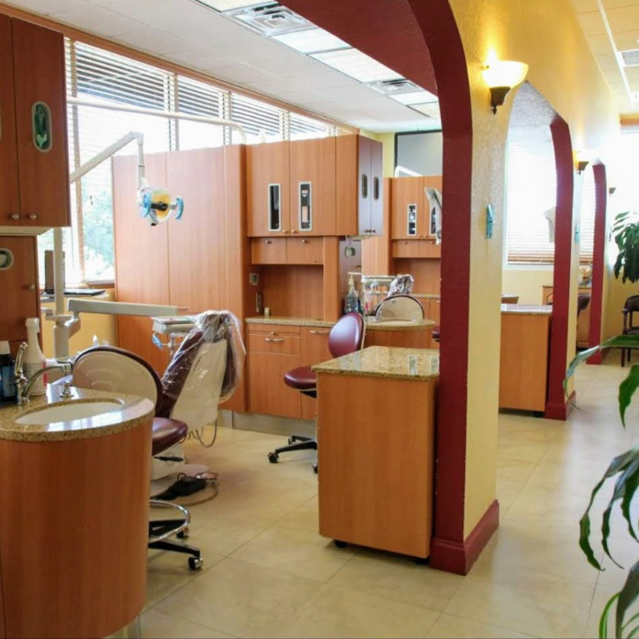 Dr. Dora R. Artiles: Art Dental Clinic