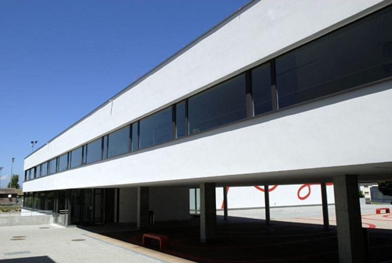 Muster Fenster AG