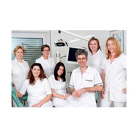 Dr. med. dent. Rolf Lessing, Zahnarzt und Fachzahnarzt für Oralchirurgie