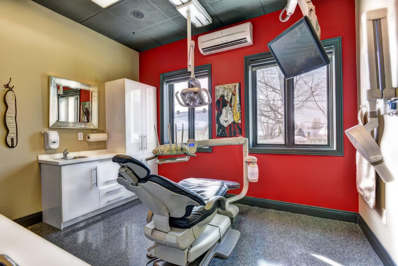 Centre Dentaire et d'implantologie Gilles Côté - Québec, QC G1H 6X5 - (418)622-4242   ShowMeLocal.com