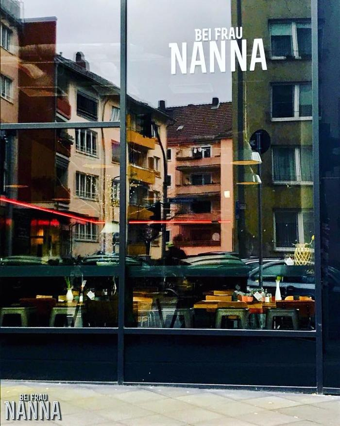 stynamic.alt.text.photo.1 Bei Frau Nanna Restaurant mit Terrasse | Frankfurt Brunch Candle Light Dinner Empfehlung Vegan Messe stynamic.alt.text.photo.2 Frankfurt am Main
