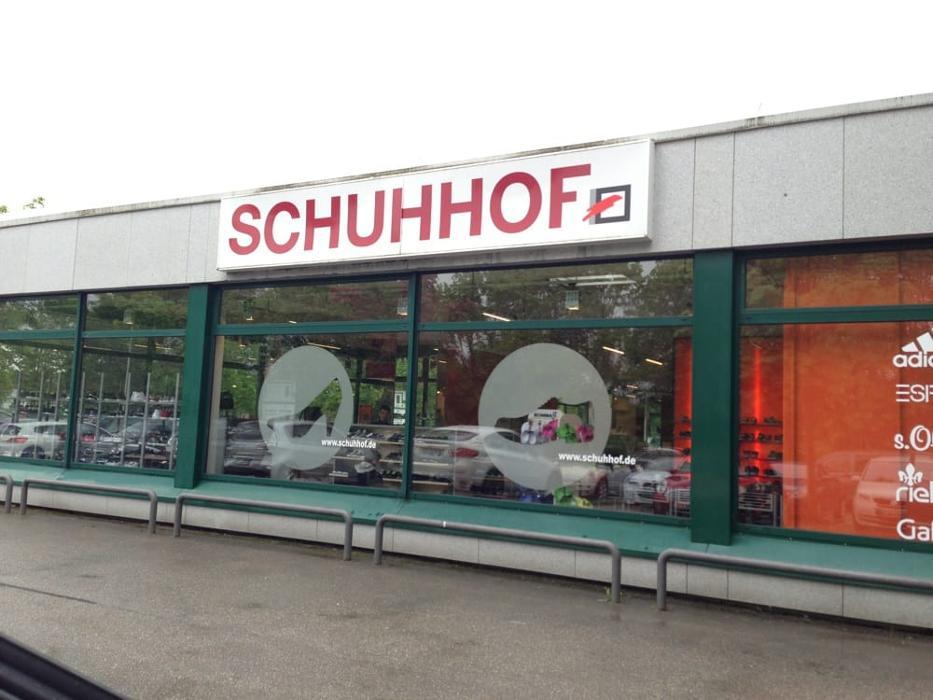 Schuhhof, Lena-Christ-Straße in Planegg