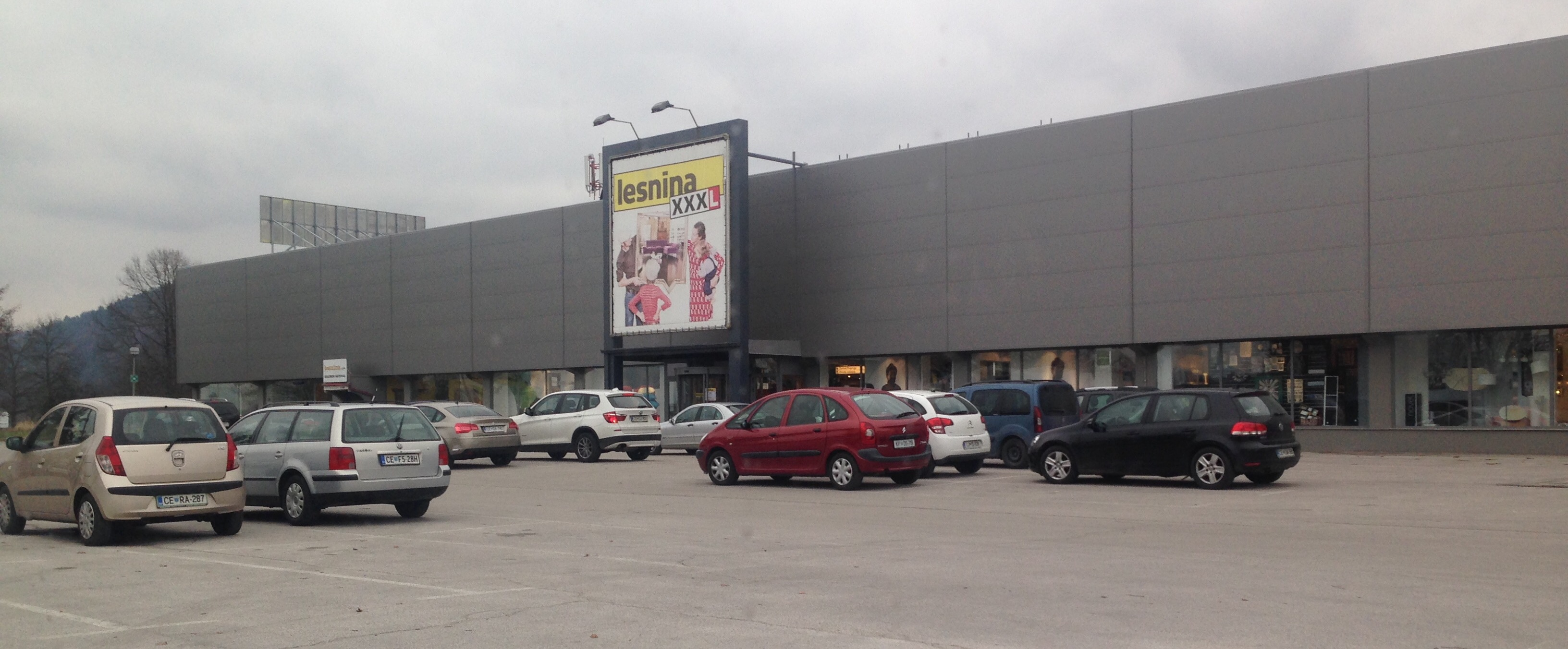 Lesnina XXXL, Levec, trgovina s pohištvom