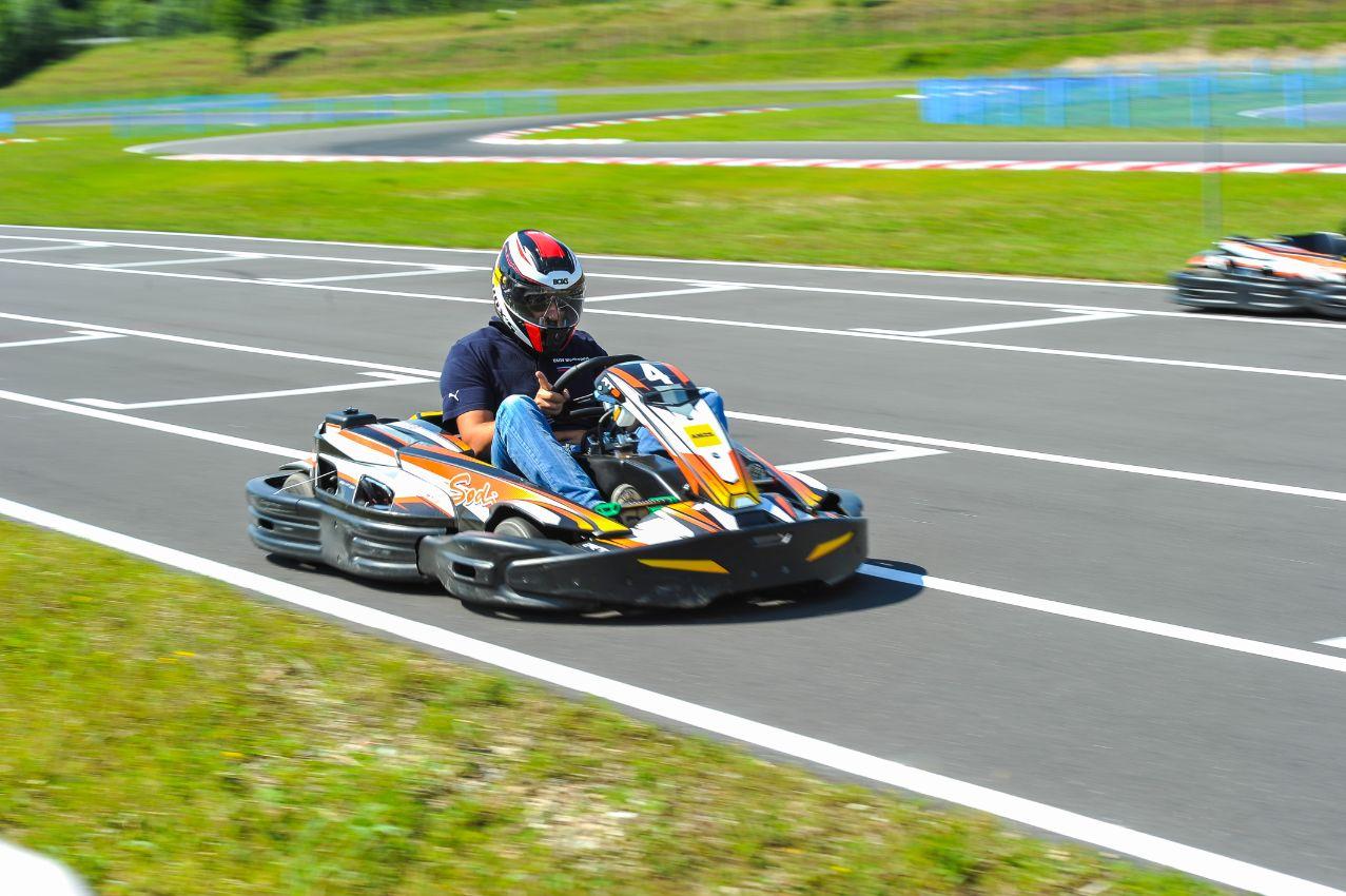 AMZS d.d., PE Center kartinga in moto športa