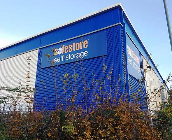 Safestore Self Storage Redhill - Merstham, Surrey RH1 3DR - 01737 303909   ShowMeLocal.com