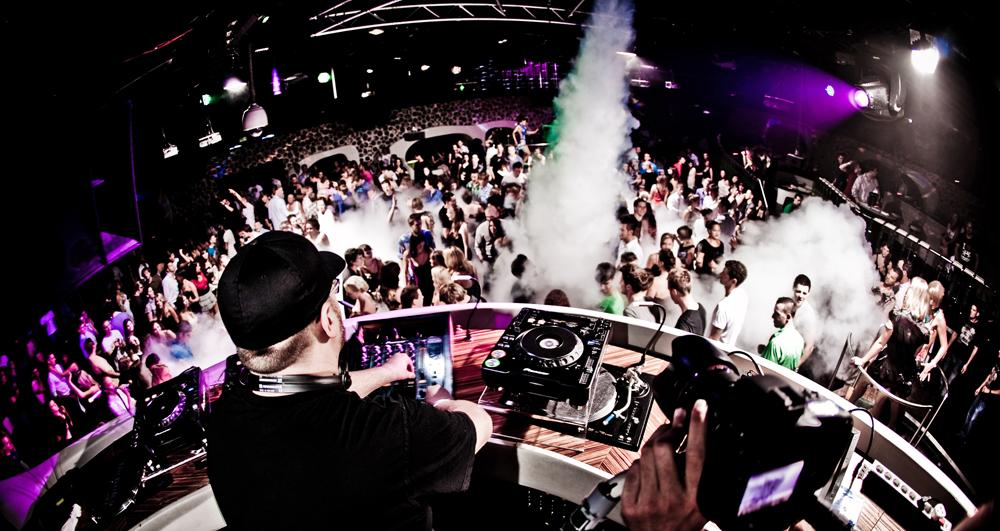 event-dj-frankfurt.de by Leonardo Aquino | Premium Event- & Party DJ in Frankfurt | Messe Aftershow
