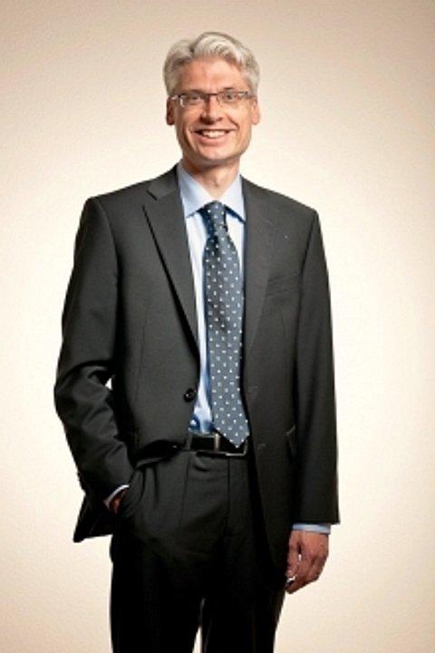 Dr. iur. Elias Hofstetter
