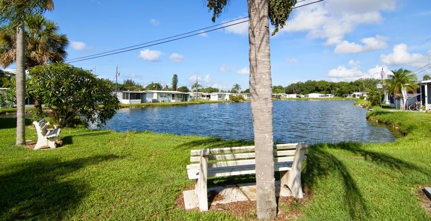 Vista Del Lago MH & RV Resort
