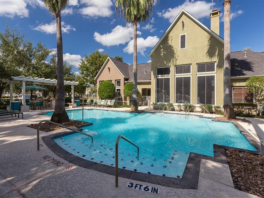 The Retreat at Eldridge Apartments