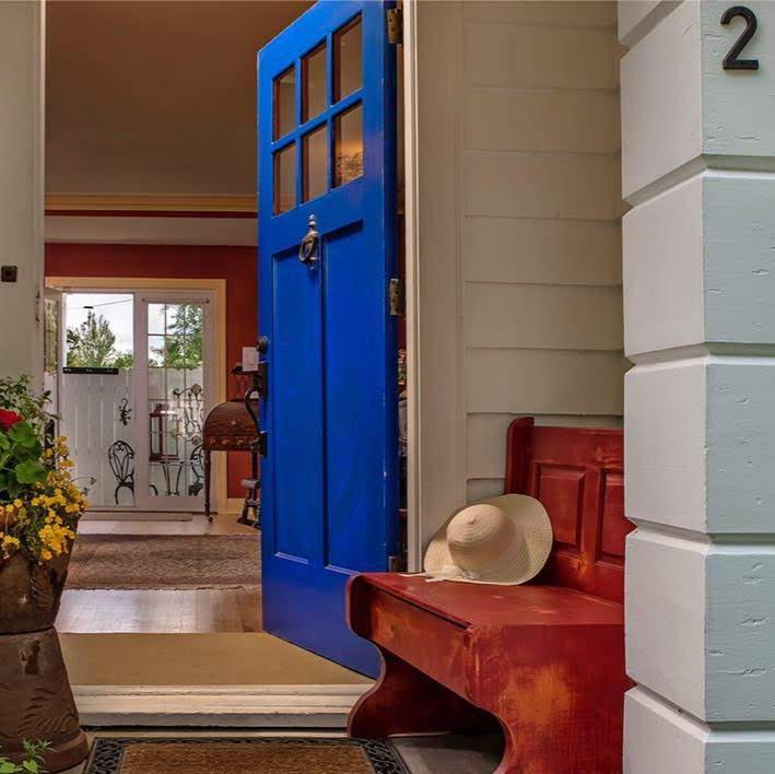 Baker City Blue Door Inn