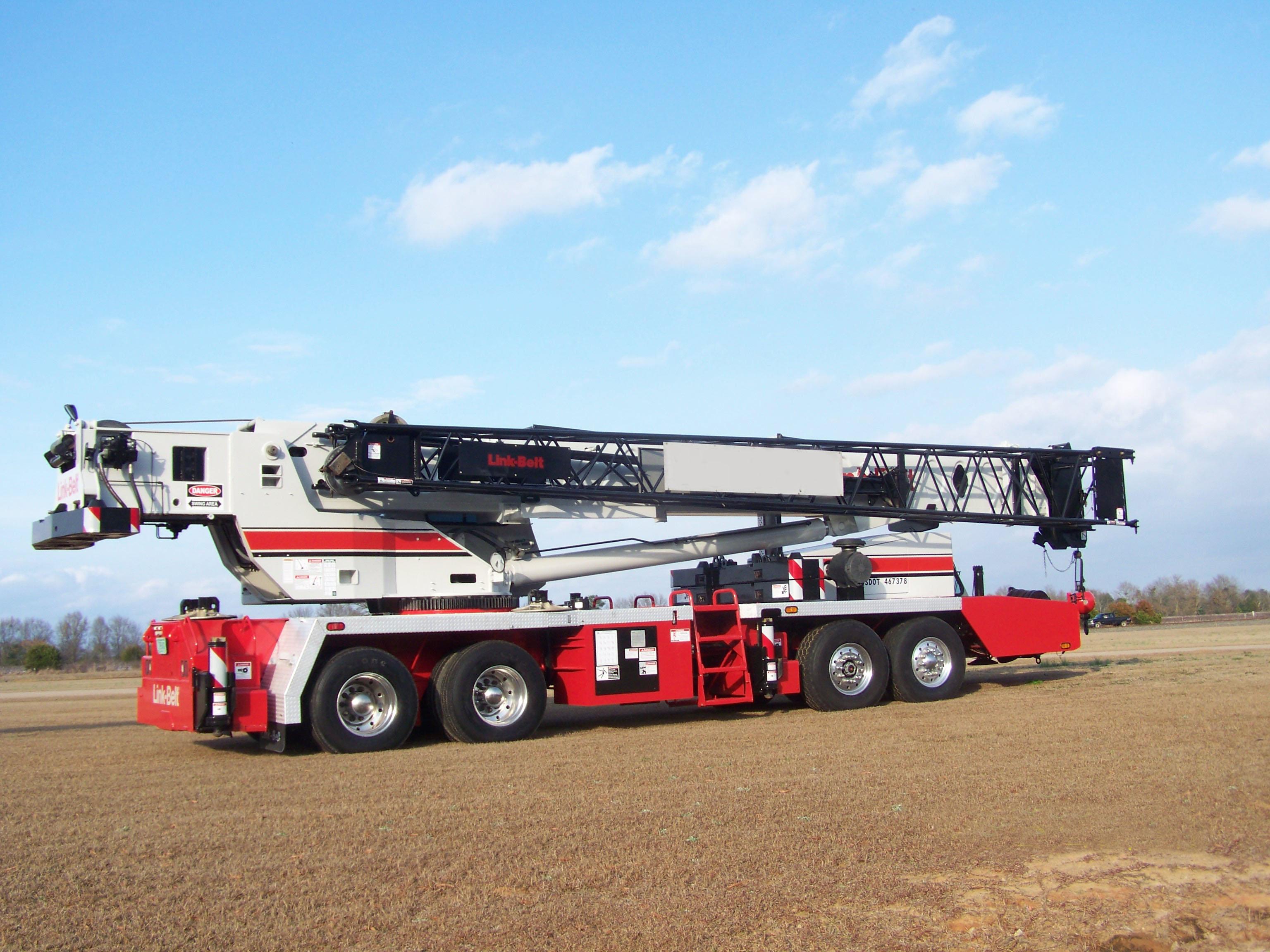 HOLT Crane & Equipment Irving / Dallas