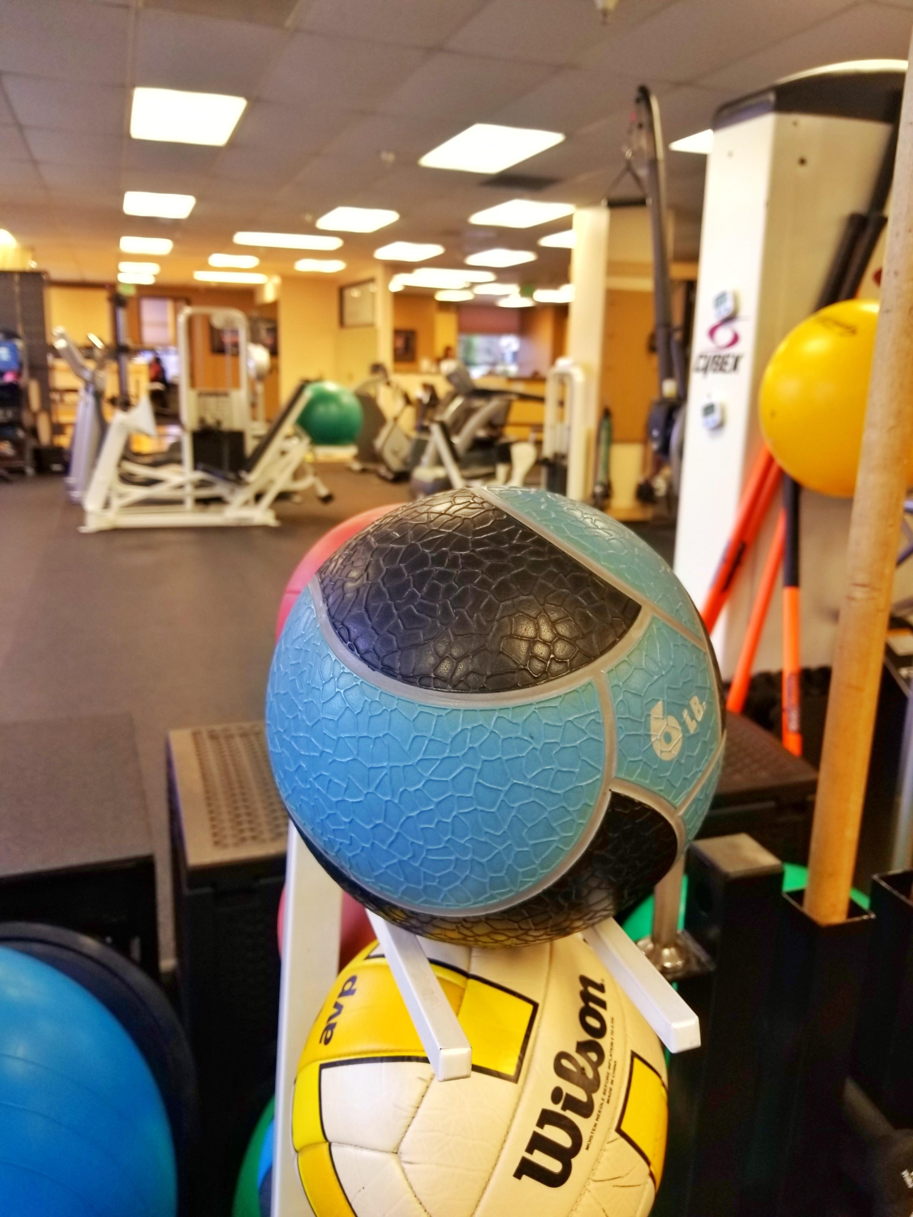 Gary M Souza Physical Therapy & Associates