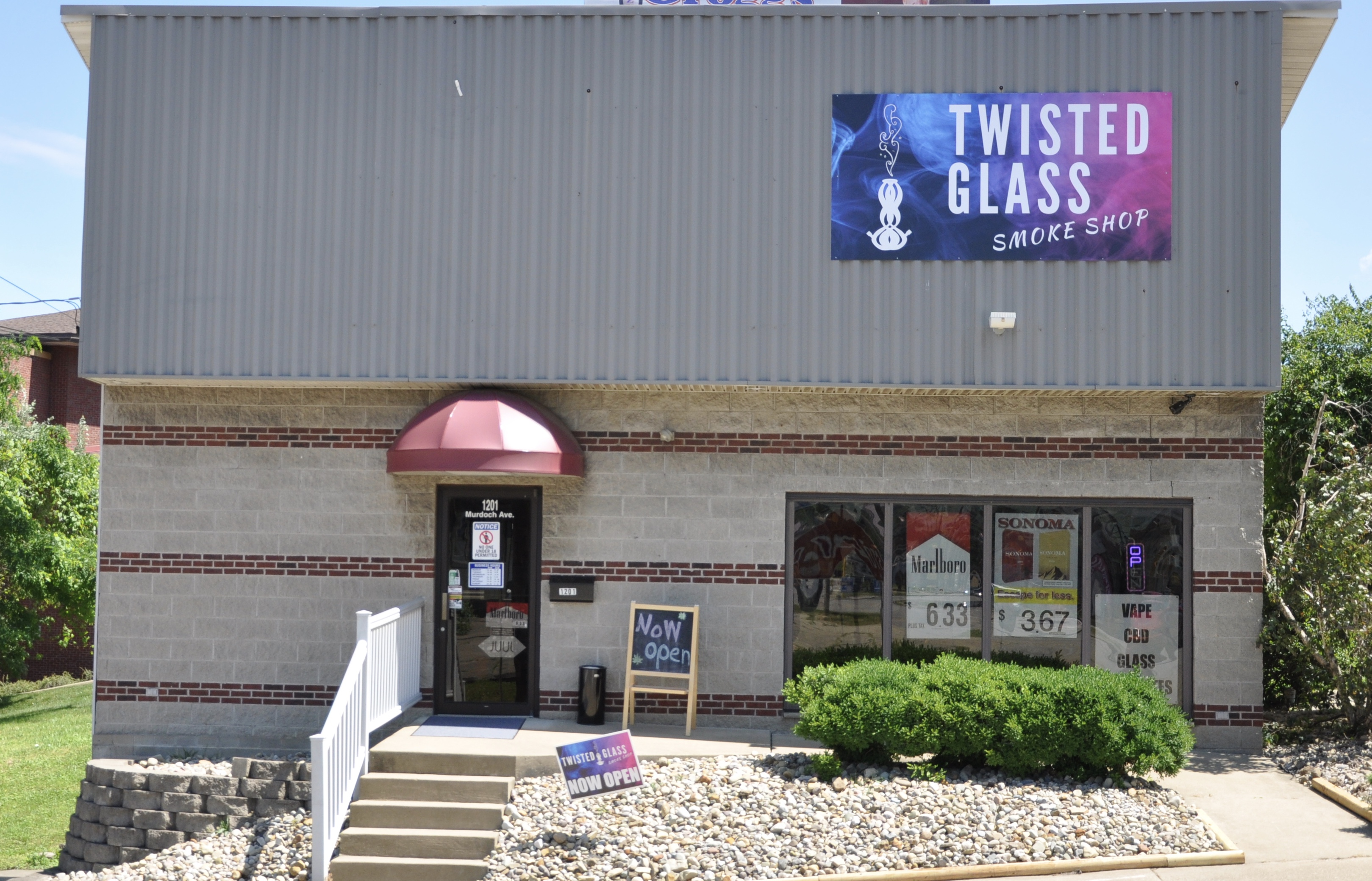 Twisted Glass Smoke Shop