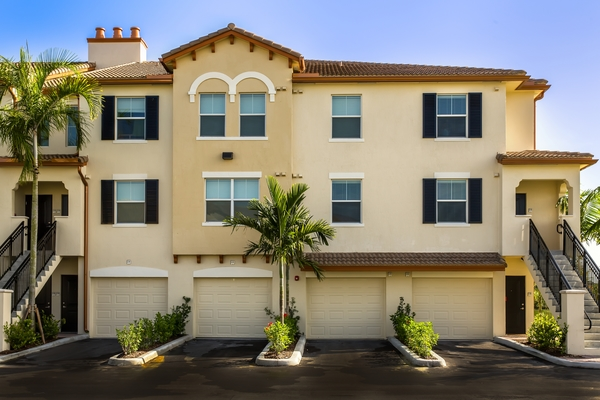 Bell Pembroke Pines Apartments