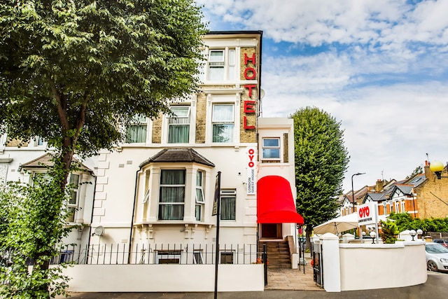 OYO London Guest House - London, London W3 6PP - 020 8089 3524 | ShowMeLocal.com