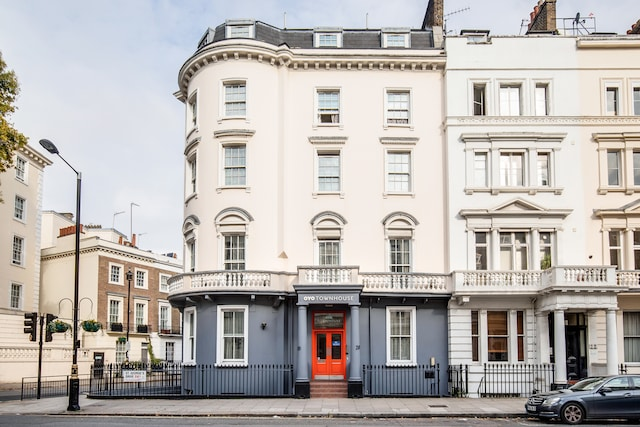 OYO Townhouse New England Victoria - London, London SW1V 4BN - 020 8089 3524 | ShowMeLocal.com