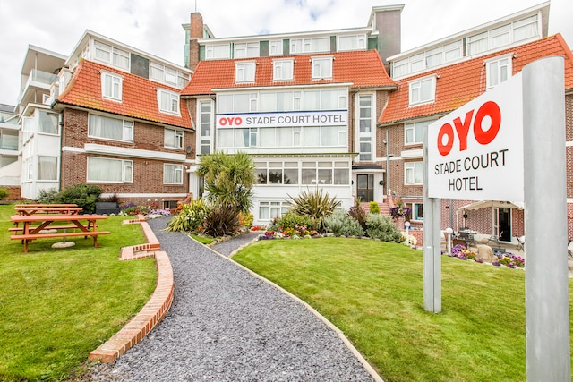 OYO Stade Court Hotel - Hythe, Kent CT21 6DT - 020 8089 3524 | ShowMeLocal.com