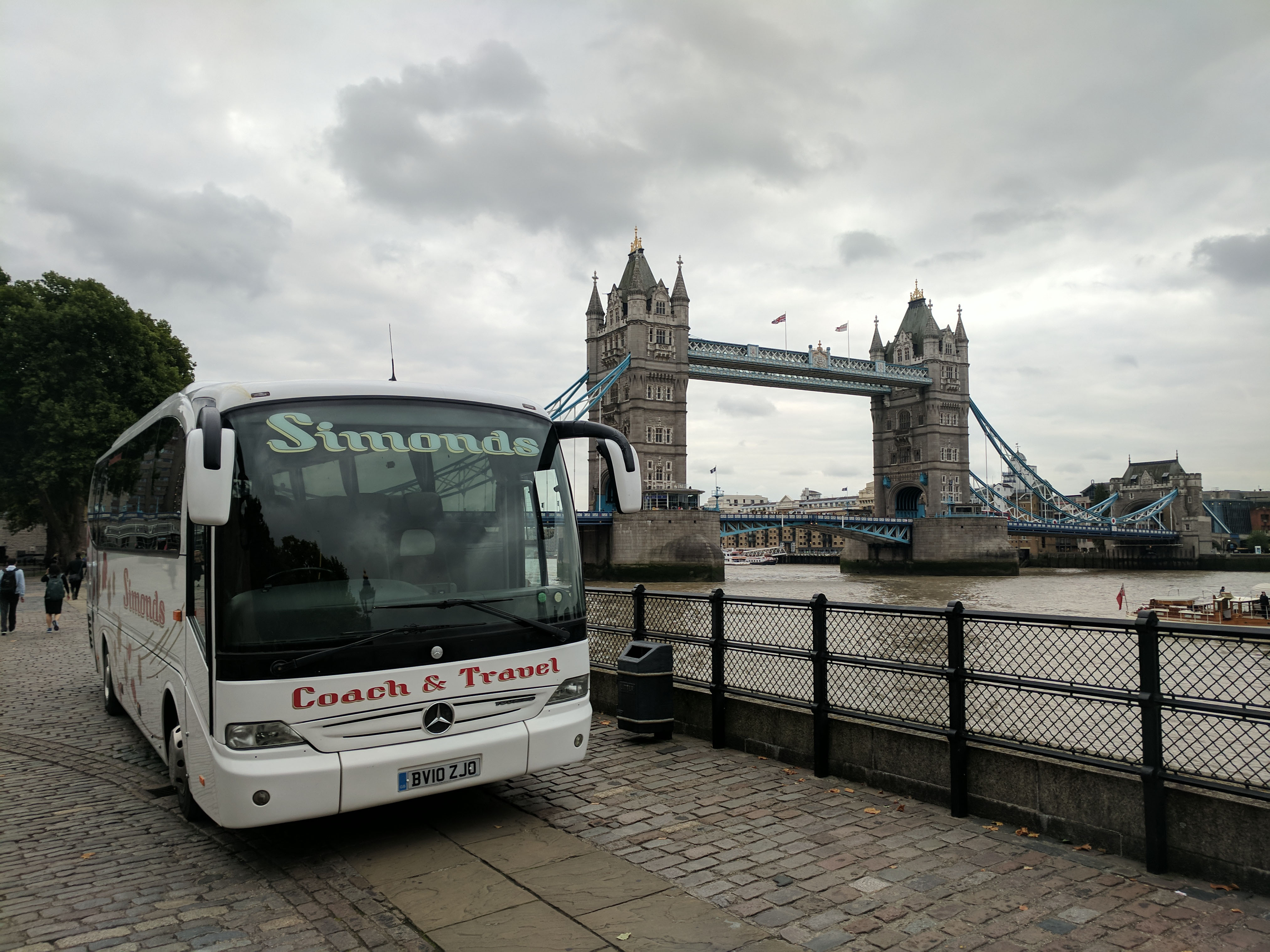Simonds Coach & Travel